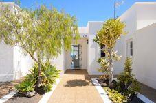 Villa en Puerto Calero - Villa del Puerto, Lujo escapada soleada entre Veleros