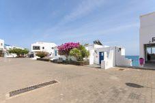 Apartamento en Playa Blanca - Casa Elena, primera linea de mar con preciosa galería y vista mar
