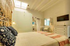 Apartamento en Punta Mujeres - La Casa de las Salinas, Sama - Su casa costera a metros del mar
