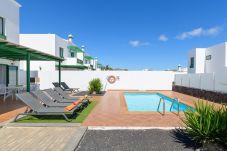 Villa en Playa Blanca - Villa Nohara 4, Piscina WiFi Sol Playa Blanca