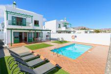 Villa en Playa Blanca - Villa Nohara 12B Piscina WiFi Sol Playa Blanca