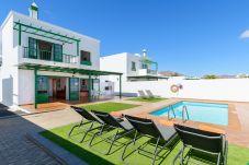 Villa in Playa Blanca - Villa Nohara 12a, private pool, sun & wifi