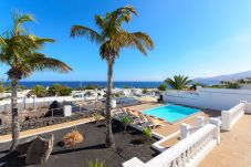 Villa in Puerto Calero - Villa del Puerto, Luxury Sunny Escape within Yacths