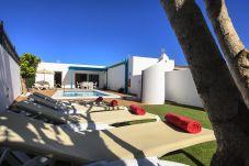 Villa in Puerto del Carmen - Villa Lapa, Sun - Beach - Pool