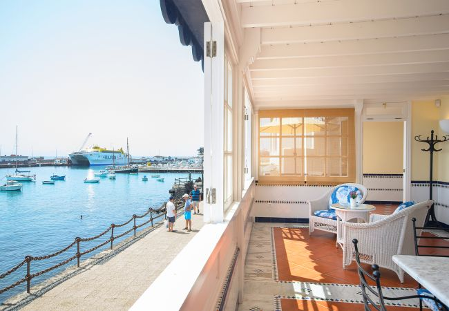 in Playa Blanca - Casa Elena, Seafront apartment with large Gallery and Sea Views