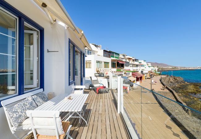 in Playa Blanca - Casa Lola, Sea Front Apartment in Playa Blanca