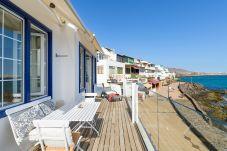 Apartment in Playa Blanca - Casa Lola, Sea Front Apartment in Playa Blanca