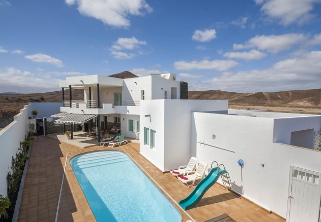 House in Costa Teguise - Casa Las Perseidas, pool and luxury in Costa teguise