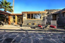 House in Masdache - Ermita Perdomo, Modern Style with a Rustic Twist