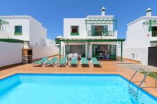 Villa in Playa Blanca - Villa Vera 5, with private heated pool and air conditioning