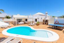 Villa in Puerto del Carmen - Villa Olivina, Heated Pool - WiFi - Air Conditioning